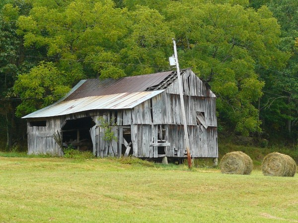Roane County barn